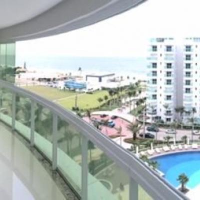 Belissimo apartamento com vista especial Praia Brava.
