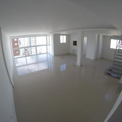 Cobertura Duplex à Venda em Balneário Camboriú