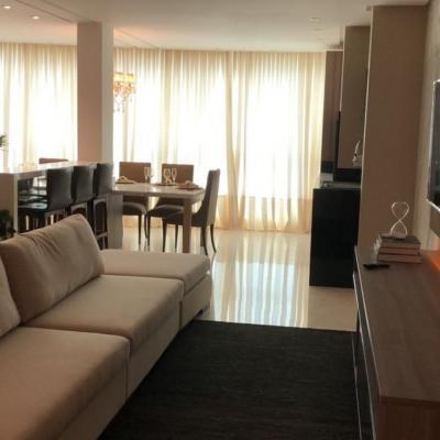 Apartamento à Venda no Centro de Balneário Camboriú SC