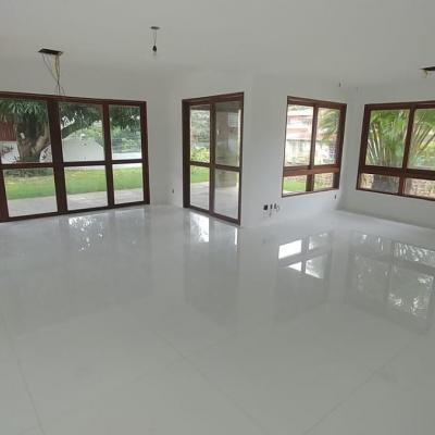 Casa com quarto suítes no terreno de 750 m² Horto Florestal