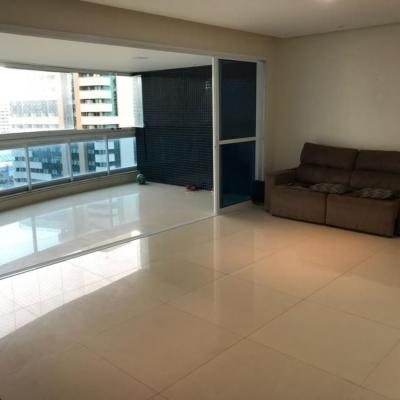 Apartamento com quatro suítes, 195 m² no Loteamento Aquarius