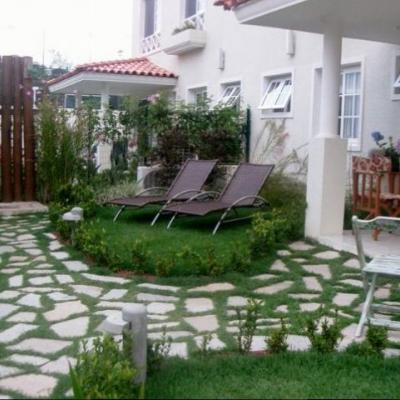 Casa duplex com Jardim, duas suítes