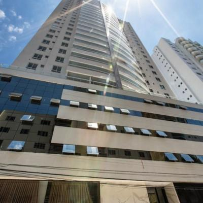 Royal Garden Apartamento novo 3 suites centro