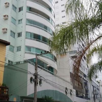02 dormitórios - Barra Norte
