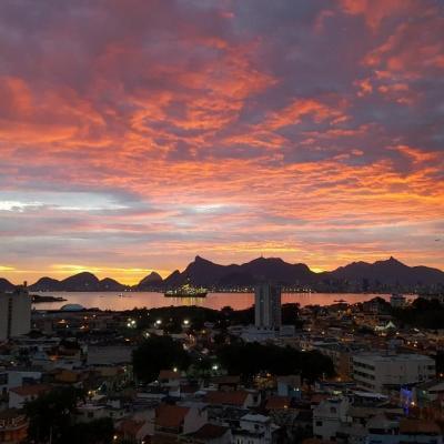Apt Ponta D'Areia vista Baía de Guanabara, 2 quartos, 1 vaga, Lazer completo