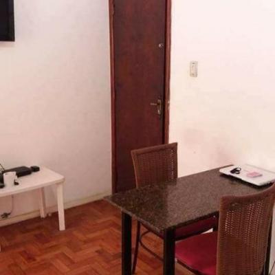 Apartamento miolo de Icaraí 2 quartos + dependência revertida 3º quarto