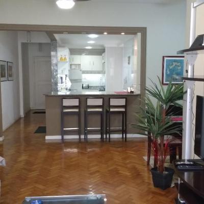 Bom apartamento reformado e montado Copacabana 3 quartos