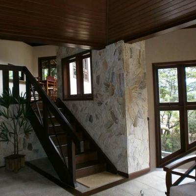 Linda casa melhor condomínio Itaipu - Engenho do Mato 3 salas 4 quartos