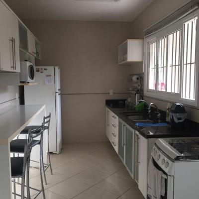 Casa Itaipu próxima Avenida Central 4 quartos