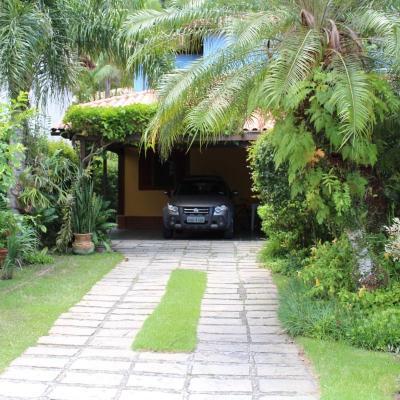 Oportunidade: Ampla casa em Condomínio 4 quartos