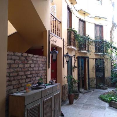 OPORTUNIDADE ÚNICA - Casa para investir ou morar - ideal para hostel, república, restaurante, curso.