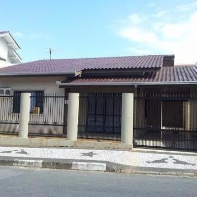 Casa no bairro das nações. Balneário Camboriú