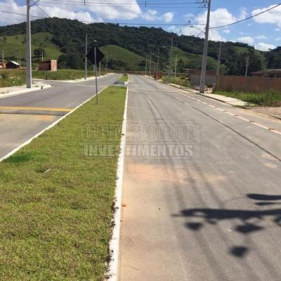 Terreno com entrada de 35 mil mais parcelas direto com proprietário.