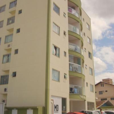 Apartamento- Res. Vitor Hugo
