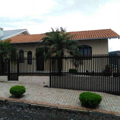 CASA DE ALVENARIA - 205,00 M² DE ÁREA CONSTRUÍDA