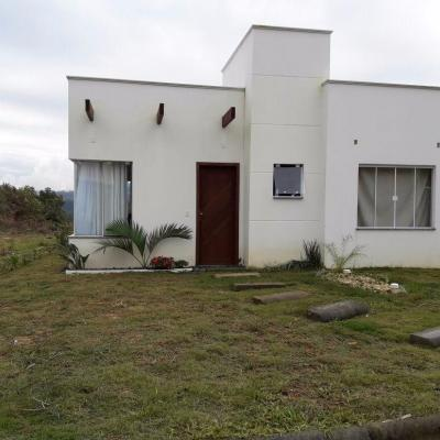 CASA DE ALVENARIA - AURORA