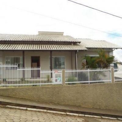 CASA DE ALVENARIA - FUNDO CANOAS