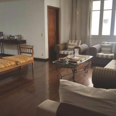 Apartamento 2 quartos (1 suíte com closet) na Praia de Botafogo