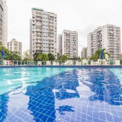 Apartamento 2 Quartos (1 Suíte) Avenida Embaixador Abelardo Bueno, Barra da Tijuca, Rio de Janeiro - RJ