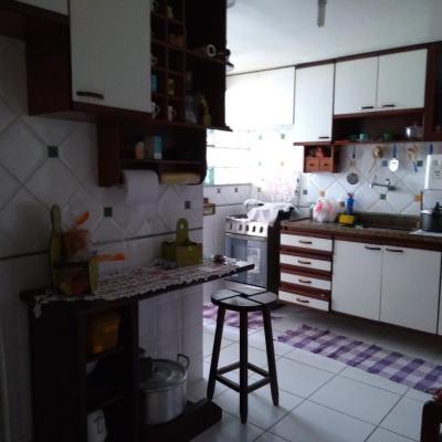 Apartamento Vista Livre com 2 Quartos, Dependências de Empregadas, Vaga de garagem e lazer - Desembargador Lima Castro, Fonseca, Niterói - RJ