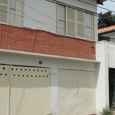 Casa independente com 1 Quarto - Rua Cinquenta e Seis, nº 77, Vila Santa Cecília, Volta Redonda - RJ