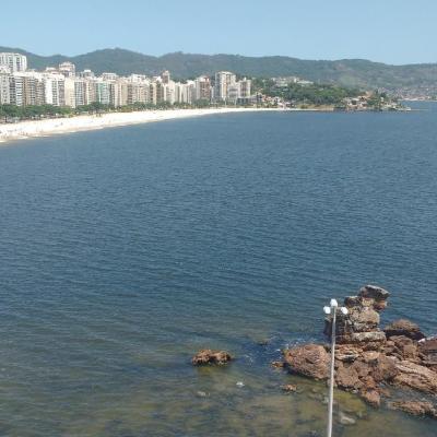 Apartamento 2 quartos (1 suíte) na Praia de Icaraí