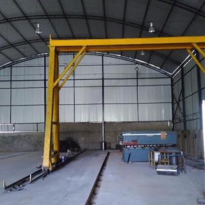 Galpão com 1750 m² - No entroncamento das Rodovias Presidente Dutra e Lúcio Meira, Barra Mansa - RJ