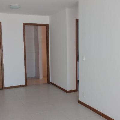 Apt Centro Niterói 1ª locação 2 qts suite vaga armários lazer