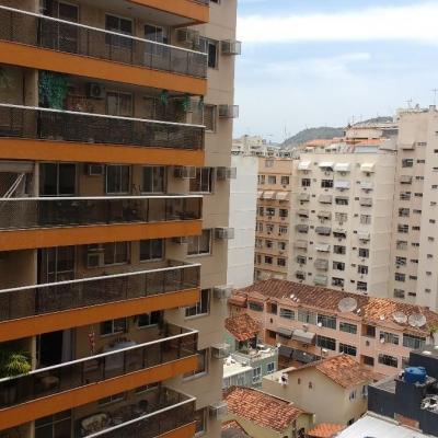 Apartamento 3 quartos (1 suíte) em Icaraí 2ª quadra da Praia