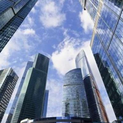 Carteira de fundos imobiliários rende 296% do CDI em abril; veja recomendações